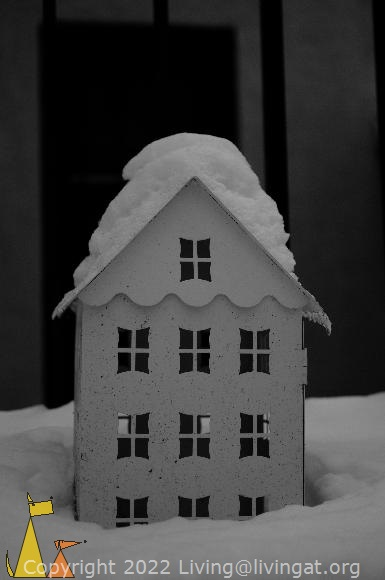 Snowy Roof, Skeppargatan, Stockholm, Sweden, skeppargatan 11, snow, house, black and white