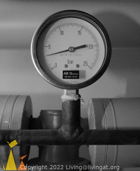 Under pressure, Skeppargatan, Stockholm, Sweden, skeppargatan 11, pressure gauge, under pressure, black and white, boiler room